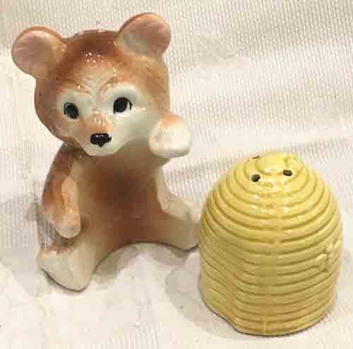 Vintage Honeybear and beehive salt & paper set